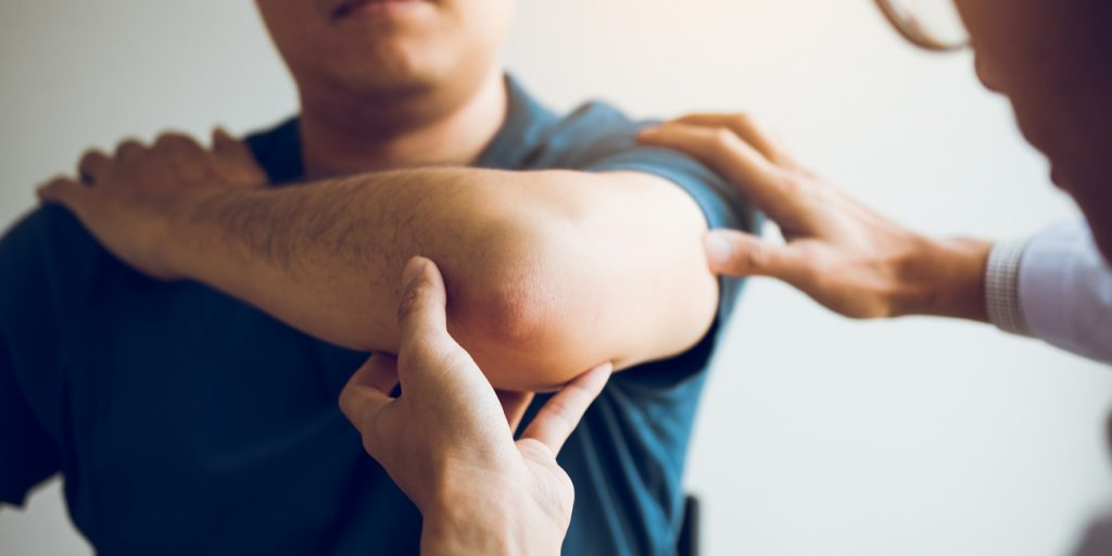 What Is Tennis Elbow? How to Recognize Causes and Symptoms